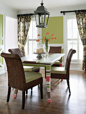 Give Your Dining Room A New Look In Flash With These Easy Decorating Projects Step Up The Character Of Dull Do It Yourself Wainscoting