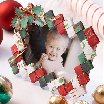 Make a Folded-Paper Picture Frame for Christmas