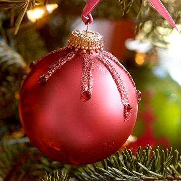 Quick-and-Easy Pink Christmas Ornament with Jewels