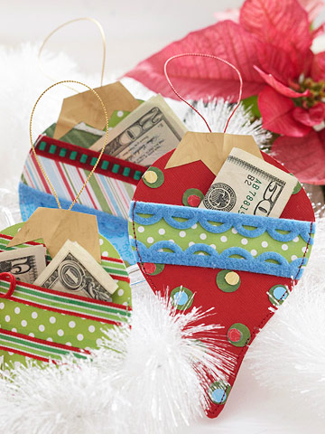 Make Ornament-Shape Gift-Card Holders for Christmas