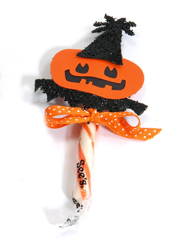 Make a Take-Home Topper for  Halloween Candy