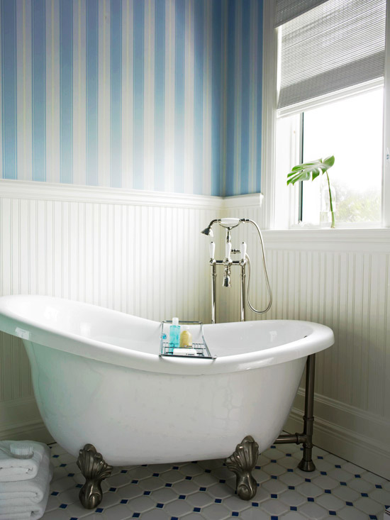 Bath with Blue-Striped Walls