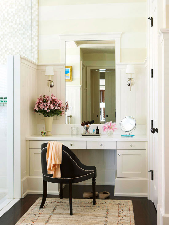 vanity with makeup station.  with the sole purpose of having a makeup application area Makeup stations for beauty addict