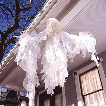 Front-Porch Ghost Decorations for Halloween