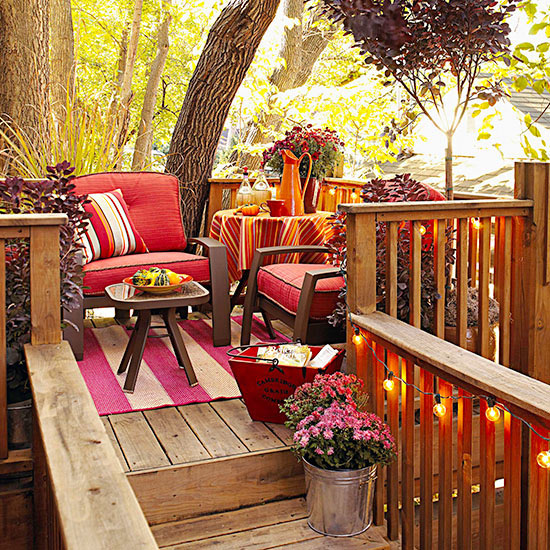 Fall Backyard Porch Decor