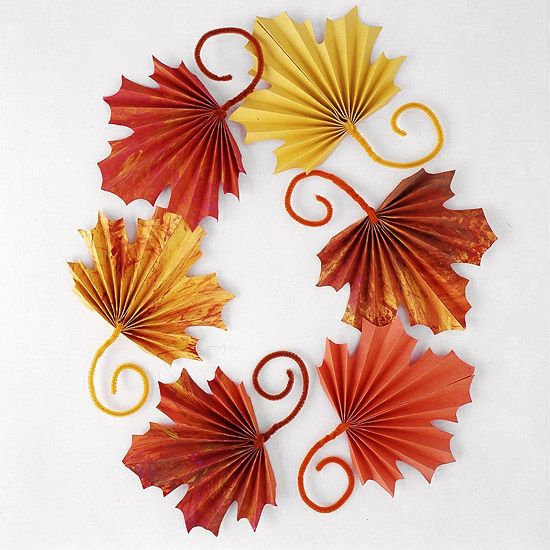 Fan-Folded Leaves for Kids to Craft for Thanksgiving