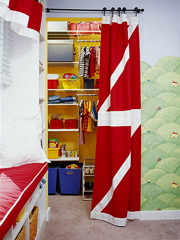 Kids Closets with Themes