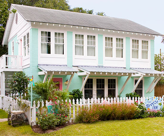 House Tours Colorful Beach Cottage Decorating