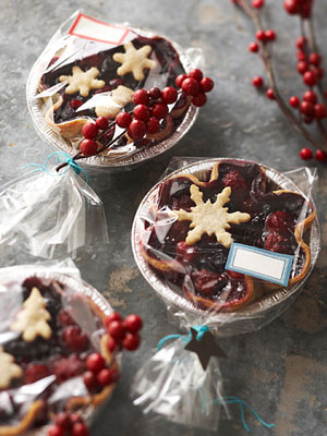 Christmas Food Gifts: Recipes + Wrapping Ideas Featuring Foil Pans