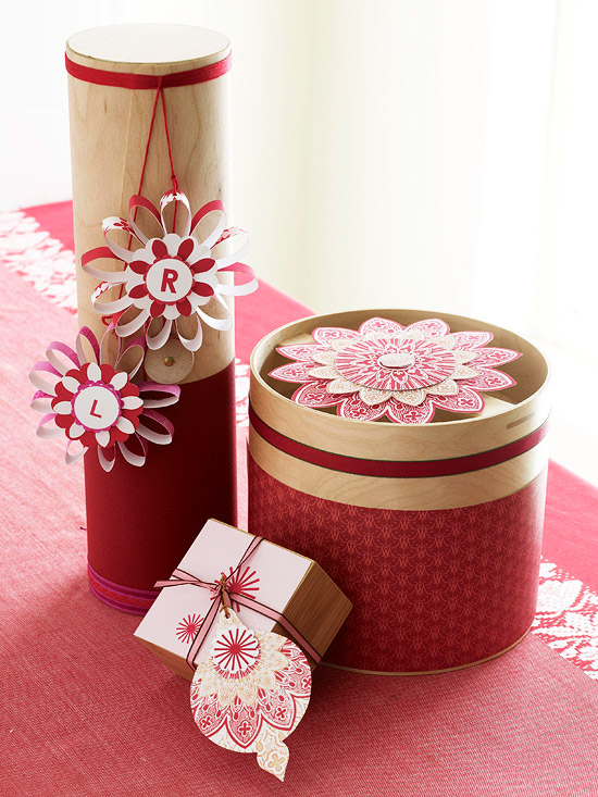 Festive Red & White Gift Wrapping Ideas