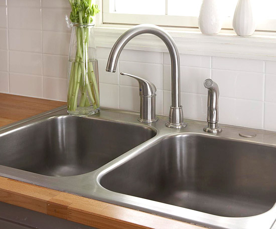 ultimate guide to kitchen sinks and faucets better homes gardens rh bhg com kitchen sink styles photos kitchen sink style guide