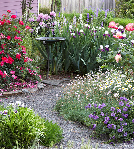 Exquisite purple and white flower combinations for your garden for Irish garden designs