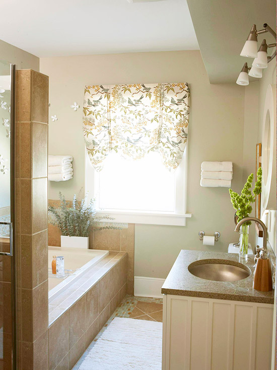 Natural retreat a soothing makeover for a small bathroom for Small bathroom natural