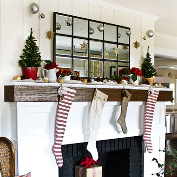 More Christmas Mantel in photo 3429864-5
