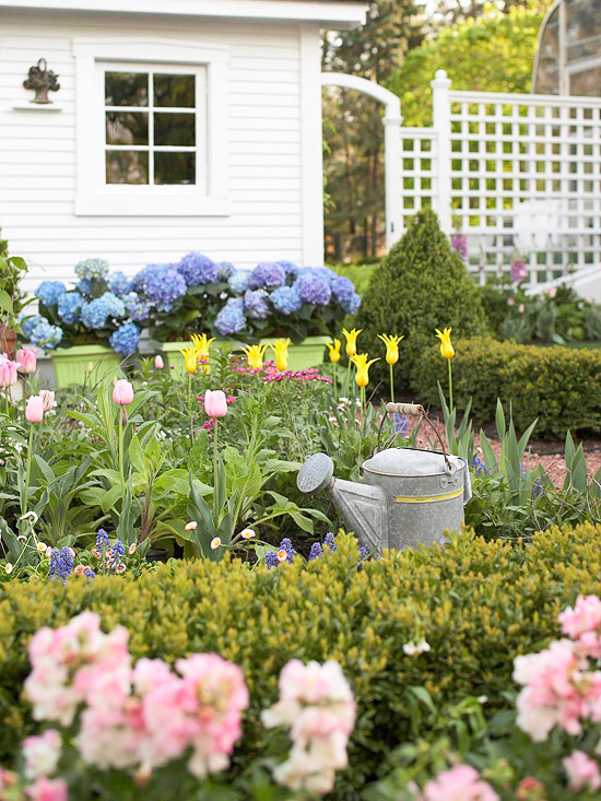 Flower garden ideas for your landscape for Small colourful garden ideas