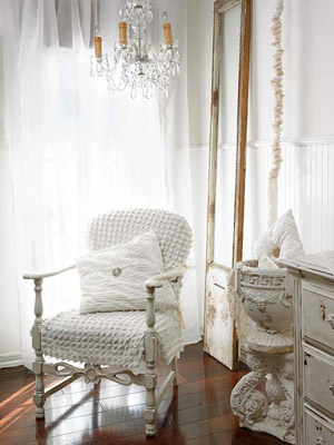 Decorating with Summer Whites