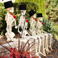 Outdoor Decorating with Skeletons