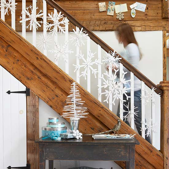 Modern Snowflake Garland on staircase