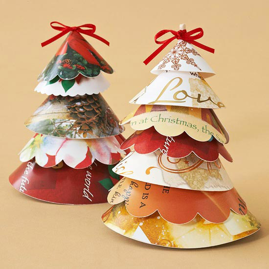 Christmas card projects decorative ways to recycle for Recycled decoration
