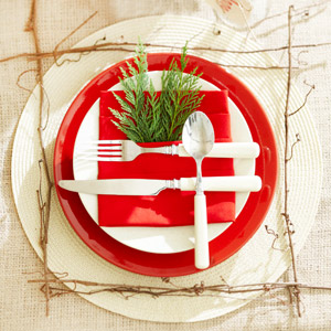 Festive Christmas Napkin Ideas and Place Settings