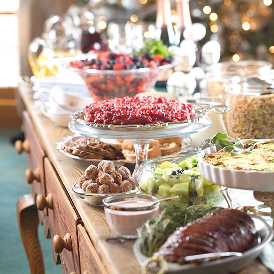 Birthday Table Presentation: Holiday Buffet Serving Tips And Display Ideas