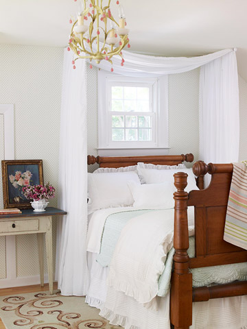 Maximize a Small Bedroom