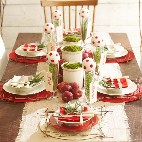Set-to-Impress Christmas Dinnerware