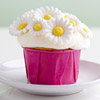 Daisy-Topped Mini Cupcakes