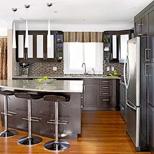 A Warm and Welcoming Contemporary Kitchen