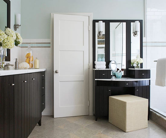 Master Bathroom Ideas: Saving Space