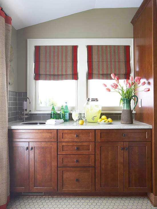 How to Stain Kitchen Cabinets | Better Homes & Gardens