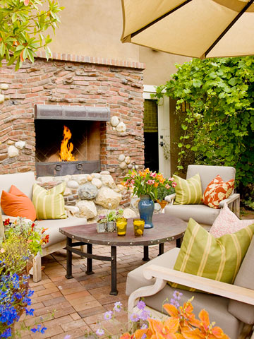 What's Hot: Outdoor Fireplaces