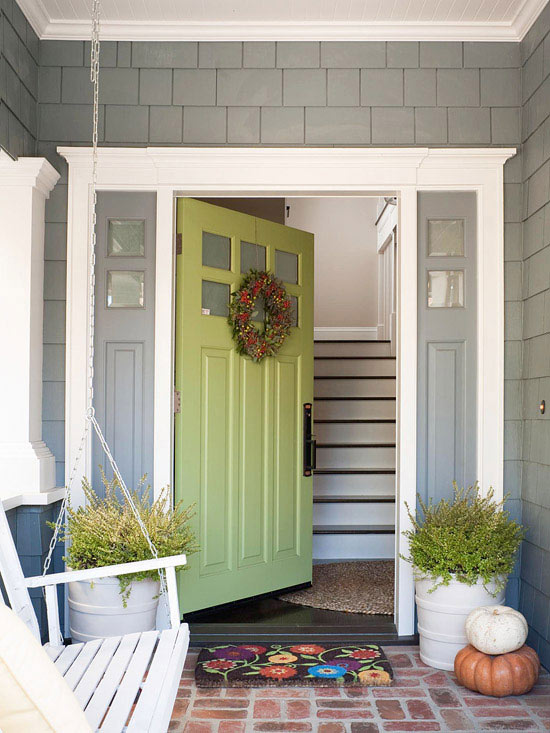 Revive your home 39 s exterior for Fiberglass doors pros and cons