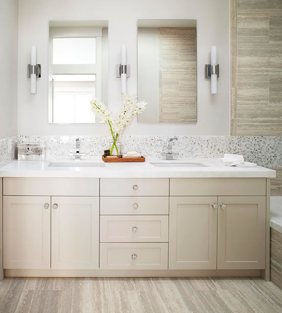 Small Bathroom Remodel: An Airy Retreat