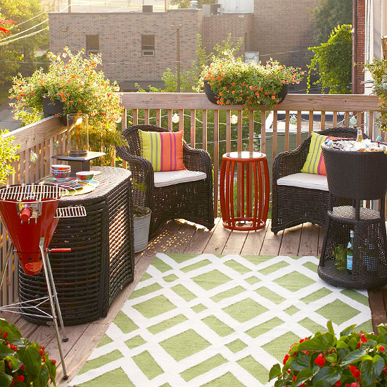 Arrange Outdoor Furniture Effectively