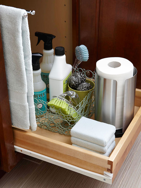 15-Minute Decluttering: Under the Sink