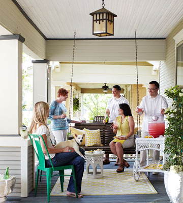 Grab Our Summer Entertaining Guide!