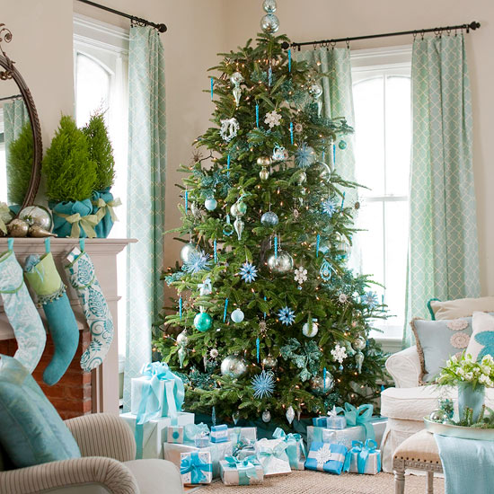 Christmas Tree Living Room fun & festive holiday color schemes