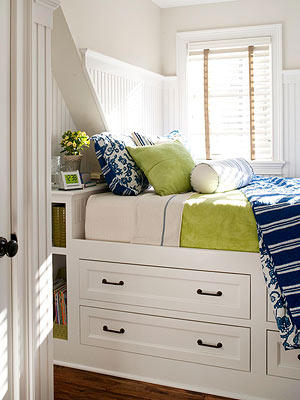 Small Bedrooms Furniture small-space decorating
