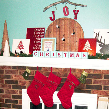 More Christmas Mantel in photo 3429864-4
