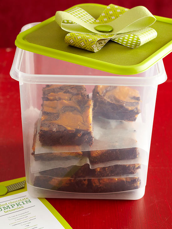 Holiday Food Gifts: Recipes & Wrapping Ideas Featuring Plastic Containers