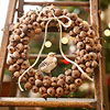 Use a Natural Theme in Your Christmas Wreath