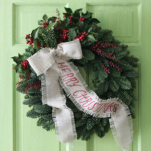 Make a Nature-Inspired Christmas Wreath