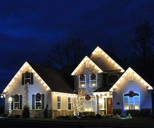 Holiday Decoration Drives: Fun Ways to Spend Time With Family Over the Holidays
