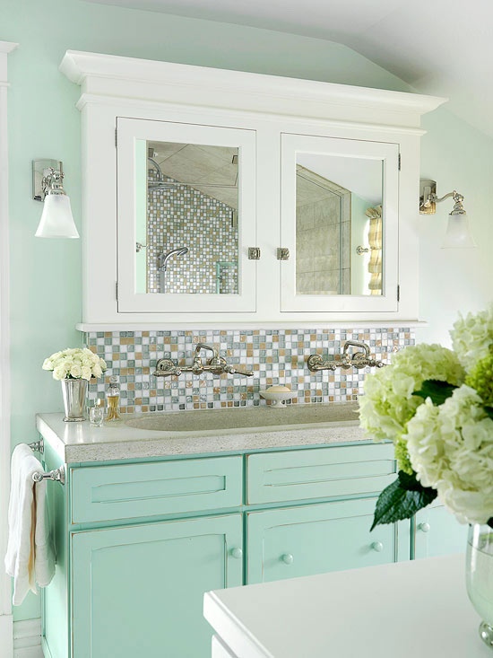 Decorating a bathroom on a budget for Bathroom decor light green