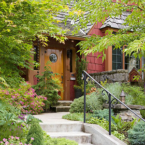 5 essential tips for designing a front yard garden for Easy care shrubs front house