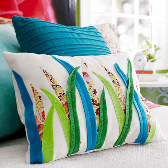 Grass Motif Pillow