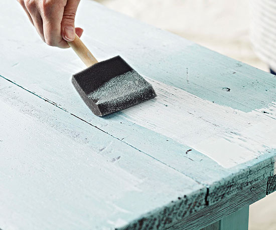 how to make wood look distressed with spray paint