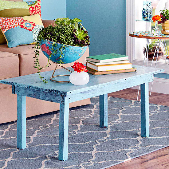 Decorating With Distressed Furniture: How To Paint Distressed Wood Furniture