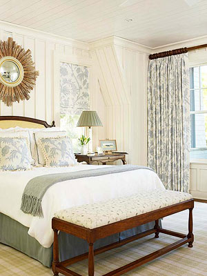 Traditional Bedrooms Should Always Look Collected So Forgo Matched Bedroom Sets Freely Mix Polished Furniture Finishes With Pieces Wearing Primitive